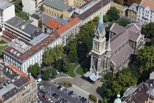 Új székhelyen működik tovább a ferencvárosi Platán Idősek Klubja | kép forrása: wikipedia.org