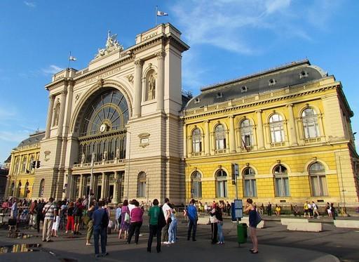 Vasárnaptól új forgalmi rend érvényes a fővárosi Baross téren | kép forrása: wikipedia.org / TUX