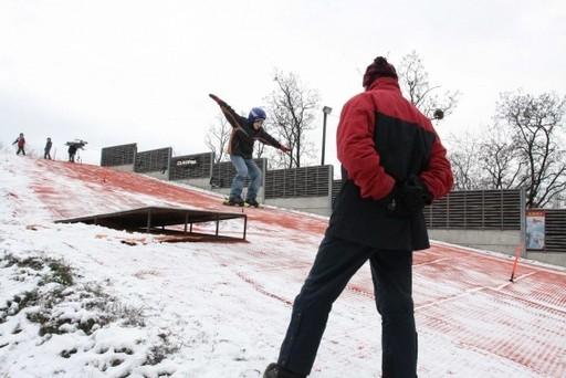 Újra megnyitott a XVIII. kerületi Bókay-kert sípályája | kép forrása: www.bp18.hu