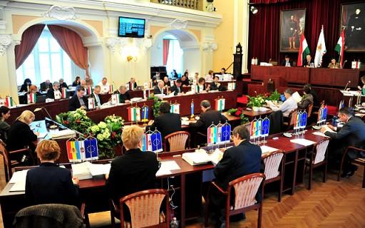 Öt budapesti helyszínen tették lehetővé a közterületi ételosztást | kép forrása: www.budapest.hu / Majtényi Mihály