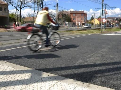 Akadálymentes gyalogátkelőt adtak át a XVIII. kerületben | kép forrása: www.bp18.hu