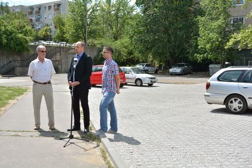 Felújított parkolót adtak át Rákosmentén | kép forrása: www.rakosmente.hu