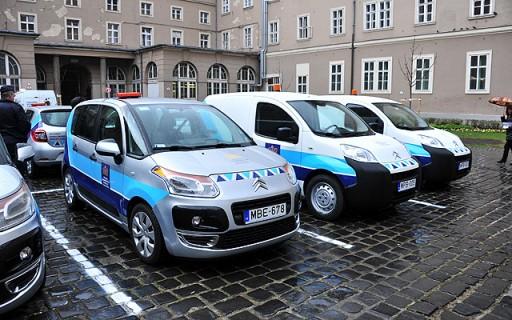 Új autókat kapott a Fővárosi Önkormányzati Rendészeti Igazgatóság | kép forrása: www.budapest.hu / Majtényi Mihály