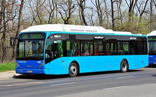 Mától járnak Budapesten a Franciaországból érkező földgázüzemű buszok | kép forrása: www.budapest.hu / Majtényi Mihály