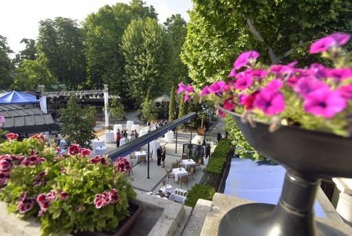 Tarlós István adta át a városligeti Gundel Étterem új kerthelyiségét | kép forrása: MTI / Máthé Zoltán