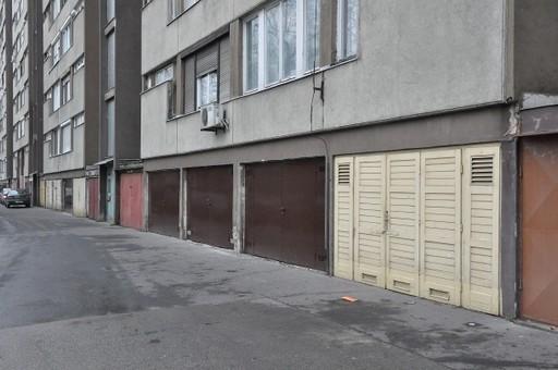 Önkormányzati tulajdonú garázsok újulnak meg a XXII. kerületi házban | kép forrása: budafokteteny.hu