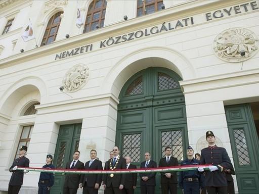 Átadták a Nemzeti Közszolgálati Egyetem Ludovika Campusának főépületét | kép forrása: MTI / Koszticsák Szilárd
