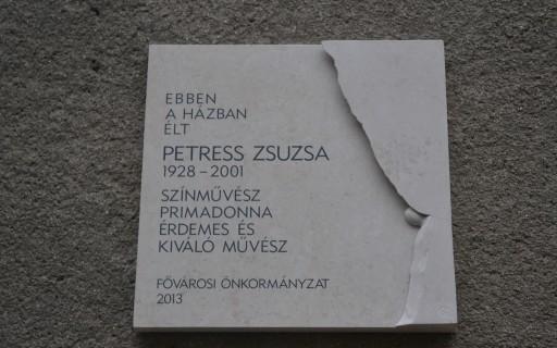 Emléktáblát kapott Petress Zsuzsa primadonna a XII. kerületben | kép forrása: www.budapest.hu / Schmidt Péter
